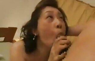 MILF baise le porno streaming entier petit ami de sa fille