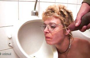 Horny poussin essayant film porno vf complet de se fourrer la bouche avec une grosse bite